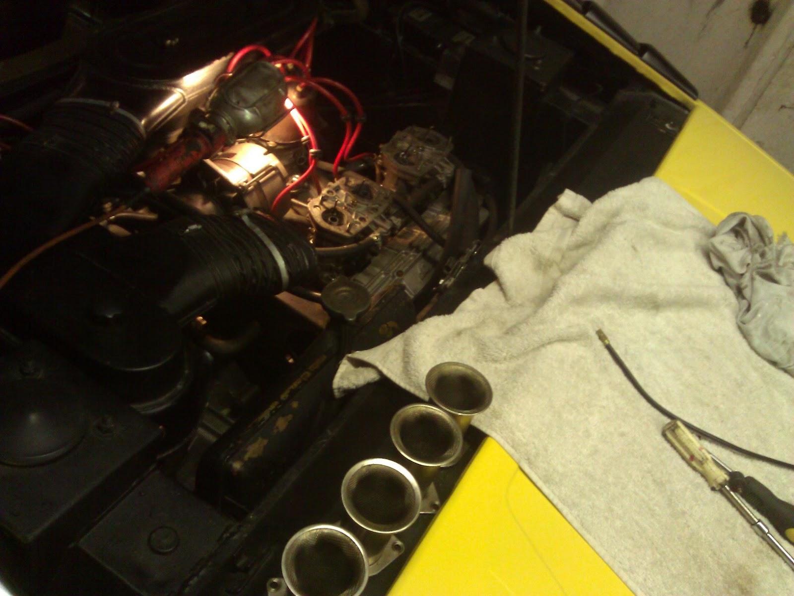 Replacing fuel hoses Lamborghini P250